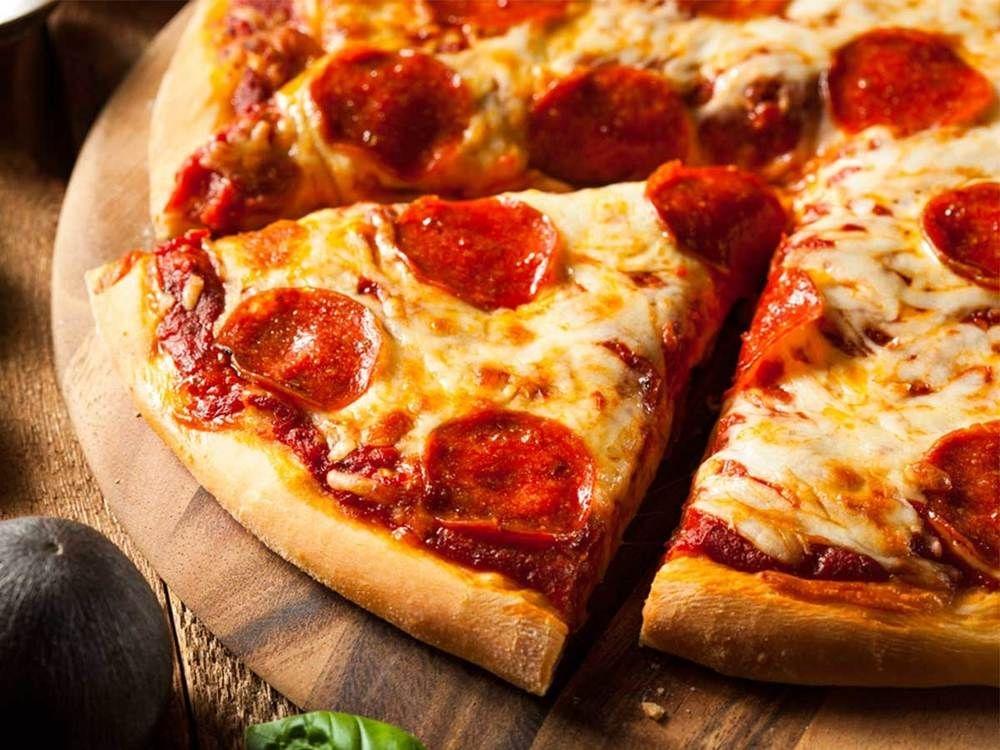Pizza média lombo canadense